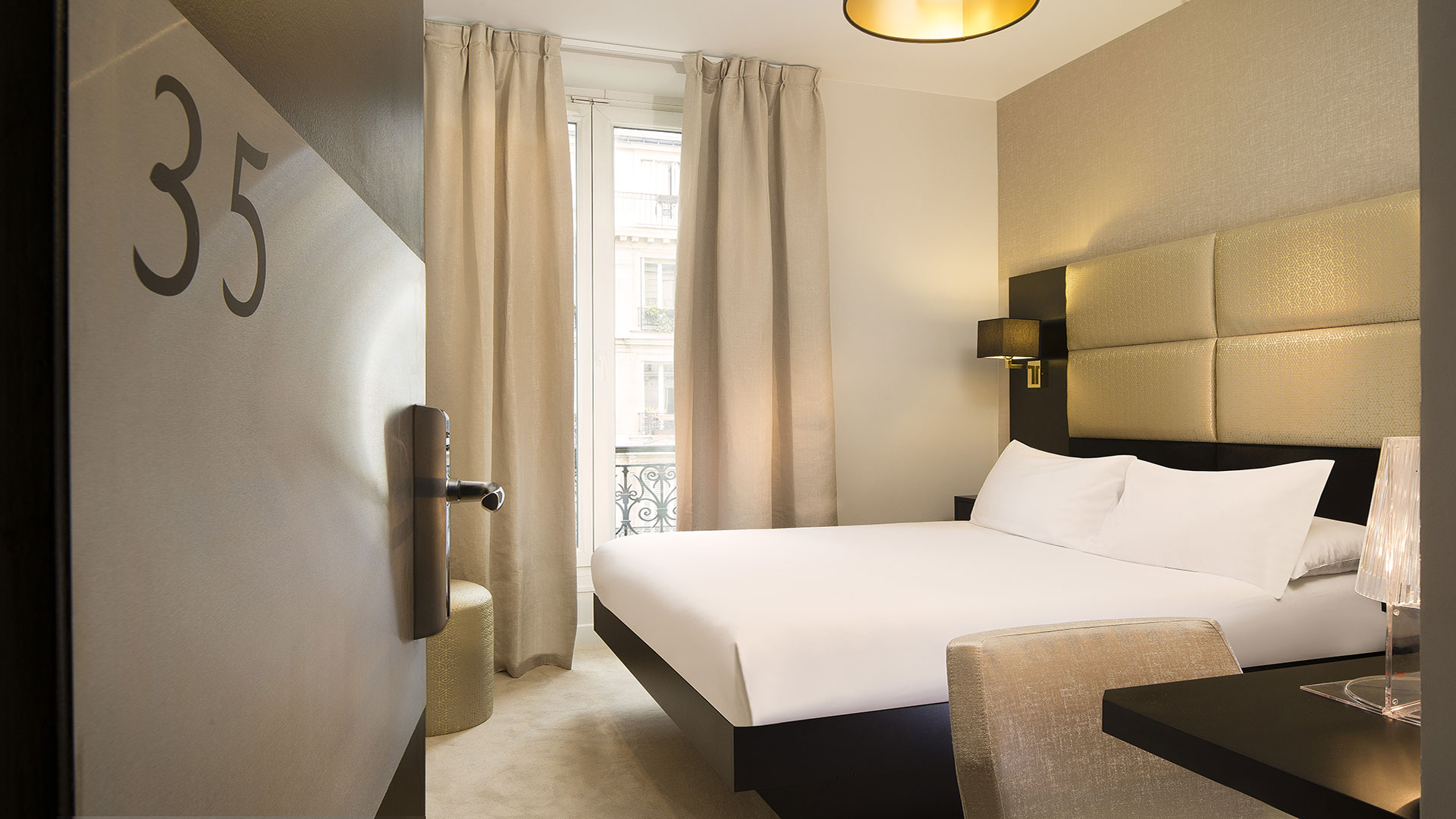 H tel dans le 3 me arrondissement de paris chambre d for Hotel design paris 3eme